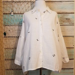 Forever 21 White Music Note Button Down Size XL